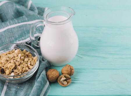 Молоко и не молоко разведут по разным полкам