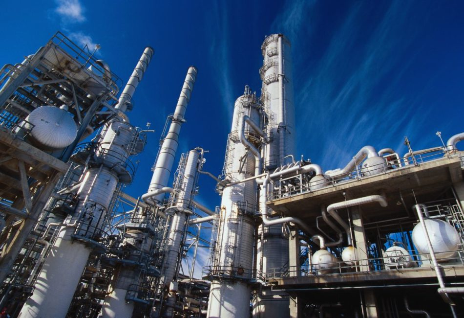 Утверждены новые национальные стандарты для специалистов в нефтегазовой отрасли